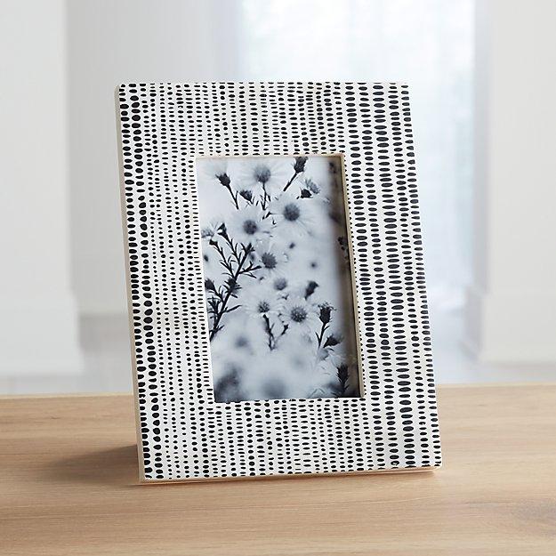 Shiraleah 4x6 Black/White Photo Frame - Image 1 of 3