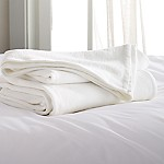 Siesta White Full/Queen Blanket