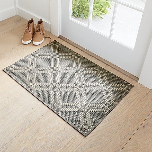 Silas Indoor/Outdoor Grey Trellis Rug 2'x3' - Image 1 of 4