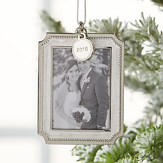 silver pearl photo frame ornament with 2018 charm
