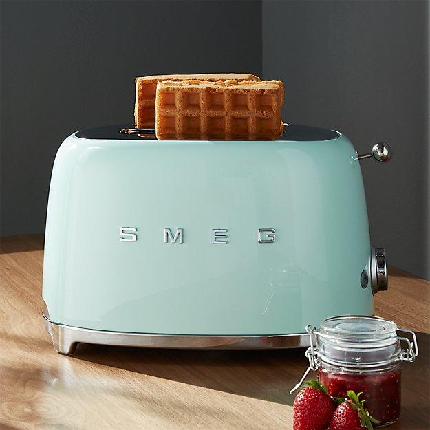 Smeg Pastel Green 2-Slice Retro Toaster