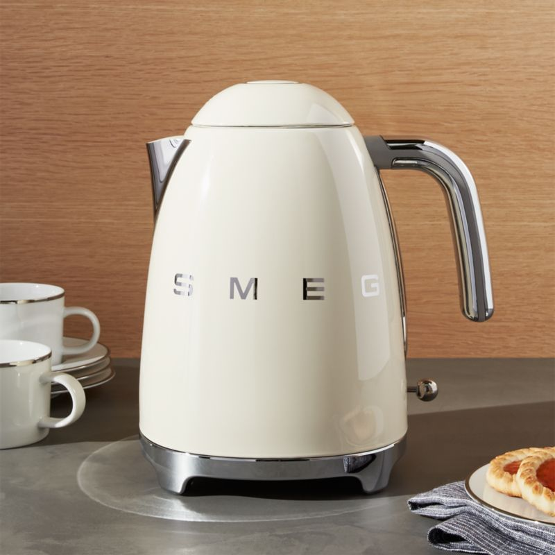 Smeg Cream Retro Electric Kettle Crate And Barrel