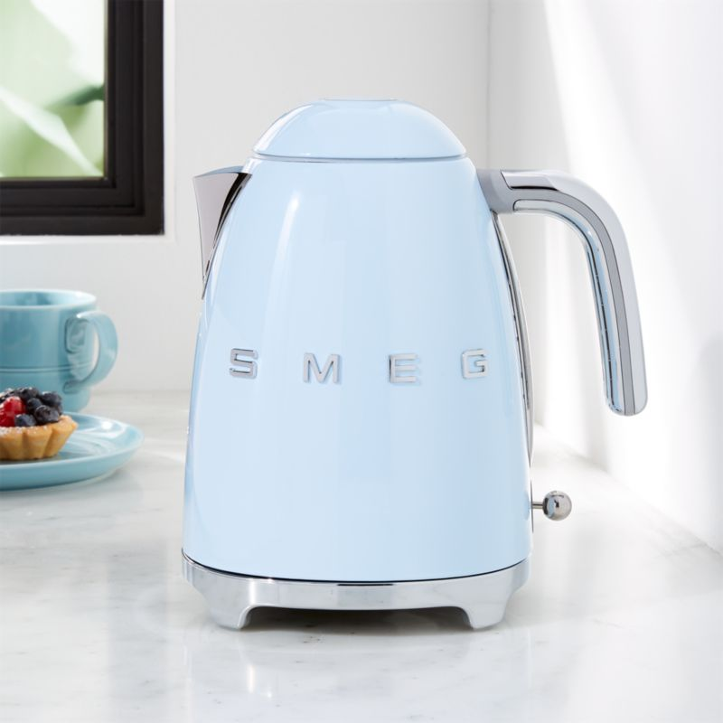 Smeg Pastel Blue Retro Electric Kettle Reviews Crate