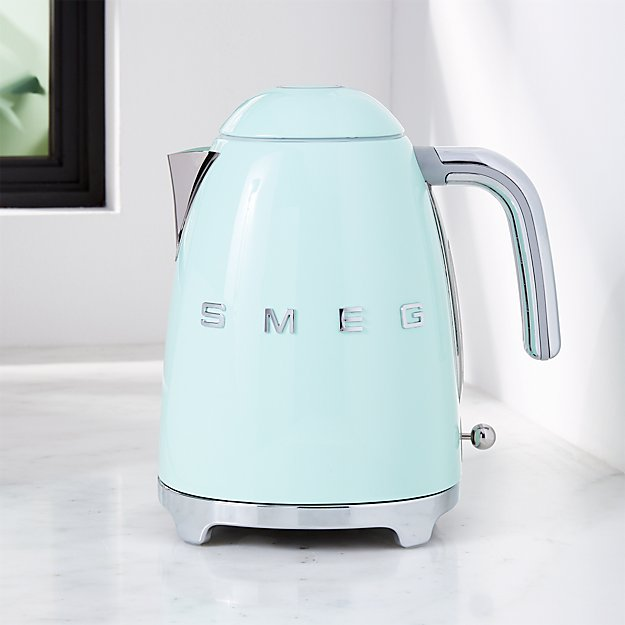 Smeg Pastel Green Retro Electric Kettle Reviews Crate And Barrel