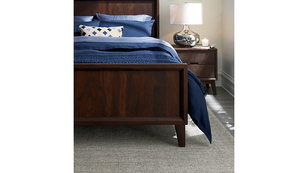 Steppe Queen Bed