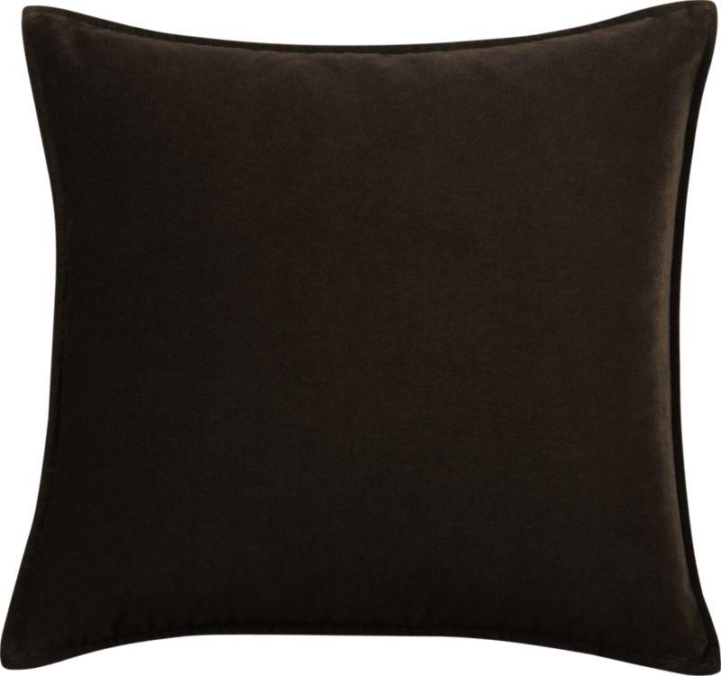 Luxe up the room with the rich touch of velvet with flange finish.<br /><br /><NEWTAG/><ul><li>Small flange</li><li>Feather-down insert</li><li>Hidden zipper closure</li><li>Dry clean</li></ul>
