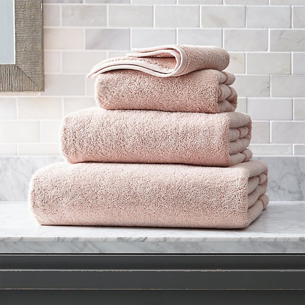 Organic 800-Gram Blush Turkish Bath Towels - Image 1 of 4