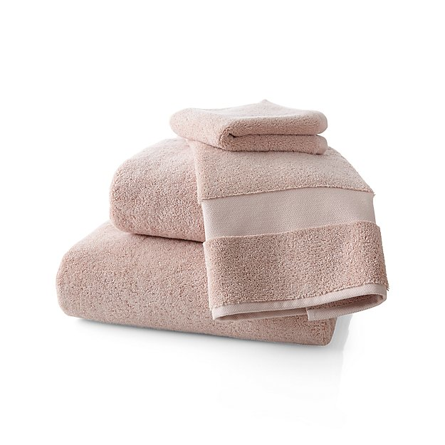 Turkish Cotton 800-Gram Blush Bath Towels - Image 1 of 4