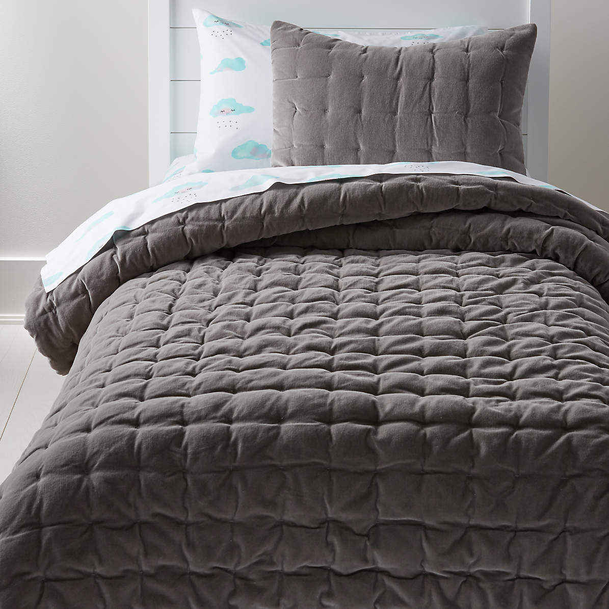 Velvet Dark Grey Full Queen Quilt Reviews Crate And Barrel Canada