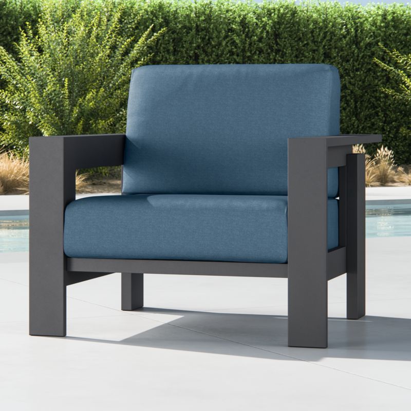 Walker Metal Lounge Chair With Shire