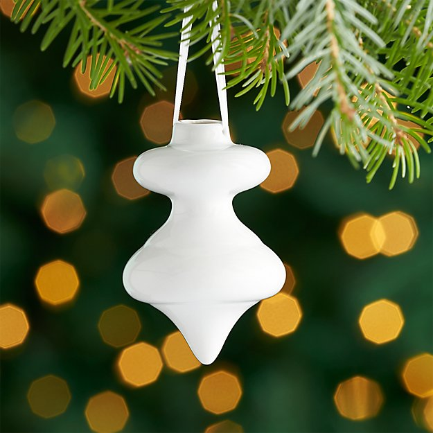 White Porcelain Top Ornament
