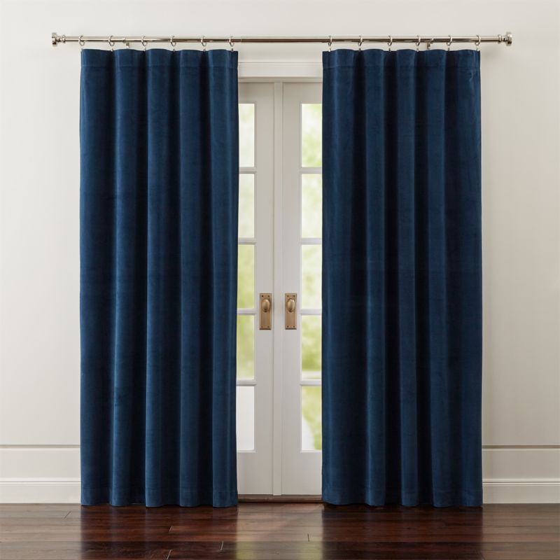 Windsor blue velvet curtains crate and barrel - Cortinas azul marino ...