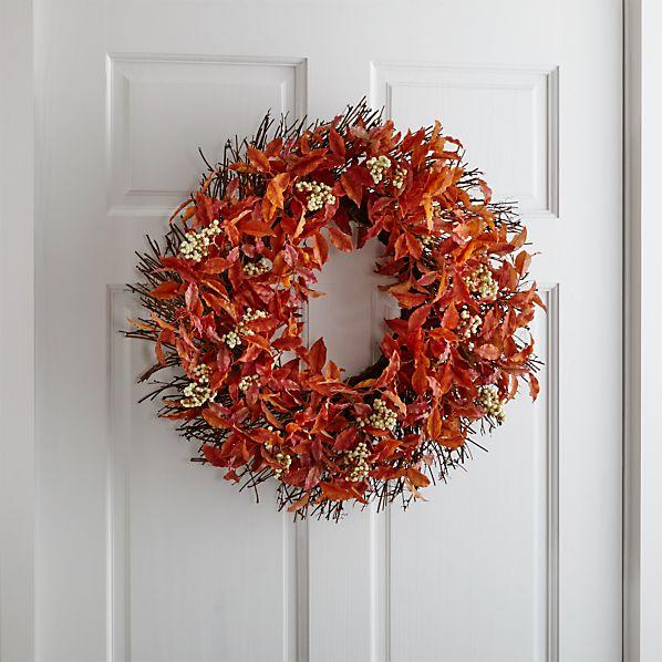WreathRustLeavesWhiteBerrySHF16