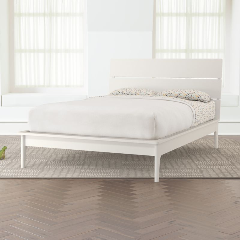 Wrightwood White Full Bed