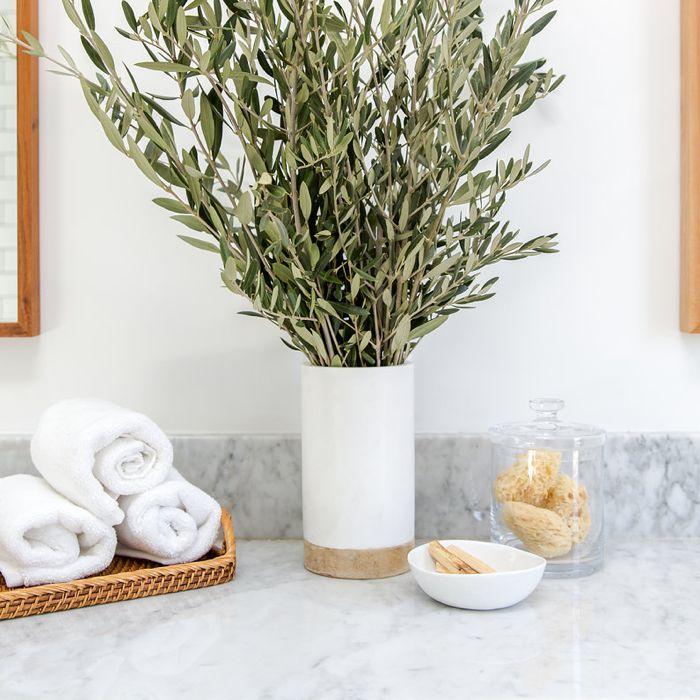 Bathroom Flower Arrangements 5 Long Lasting Looks Crate And Barrel