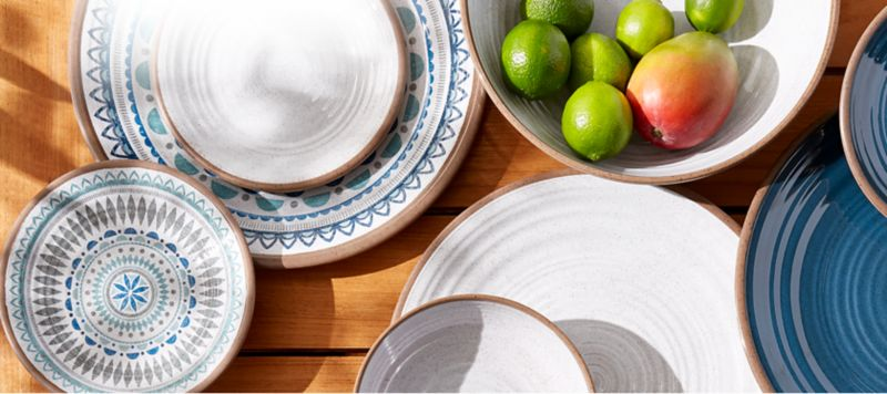 Set your outdoor table with melamine dishes that look as good as your indoor best. & Outdoor Entertaining | Crate and Barrel