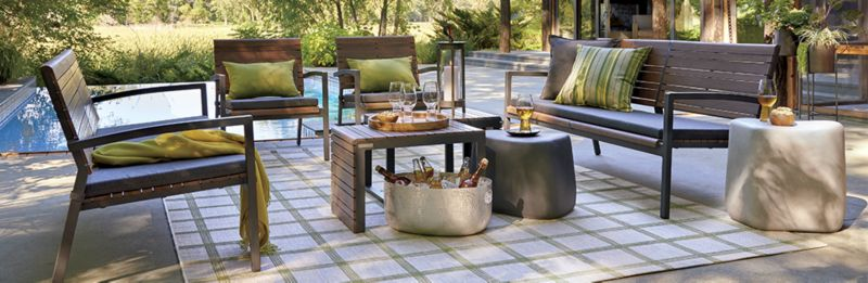 Classic Outdoor Furniture: Rocha