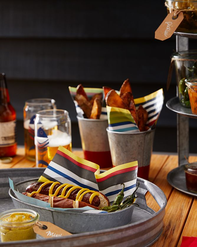 Image of serveware with Hotdogs