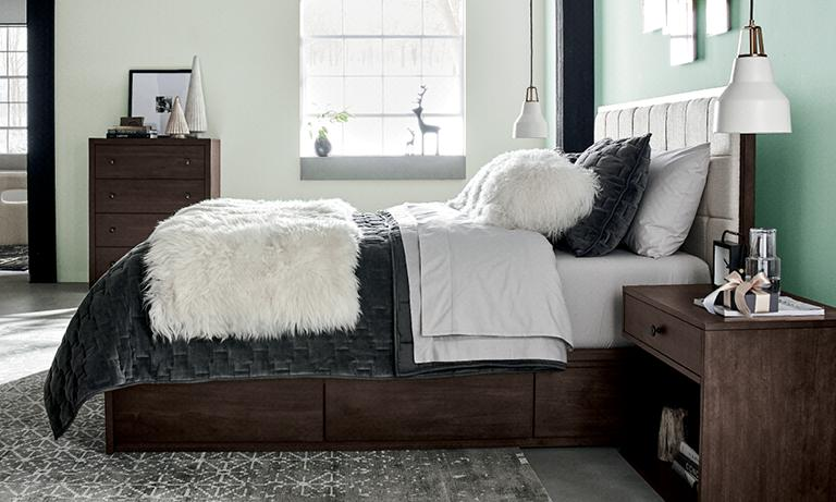 Master Bedroom Furniture >> Bedroom Furniture Crate And Barrel
