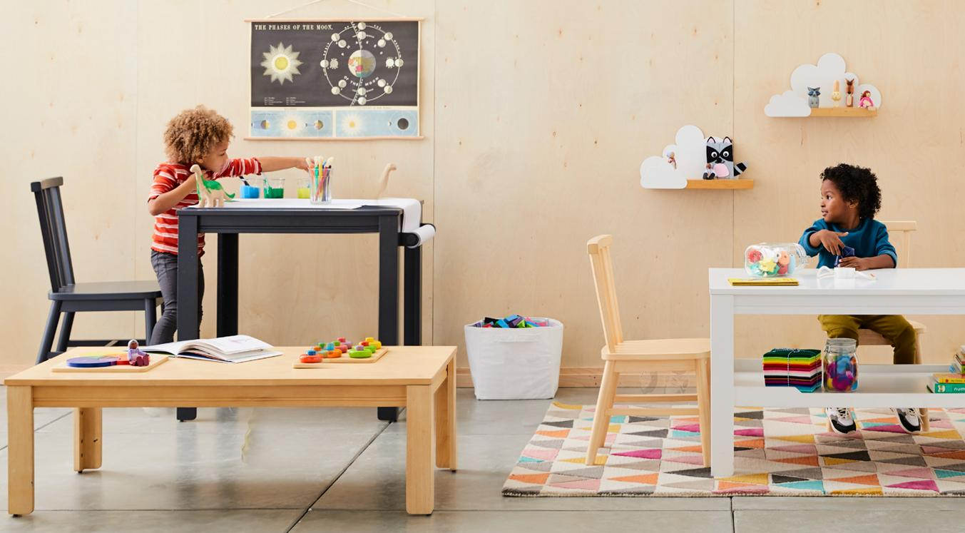 Show playroom furniture