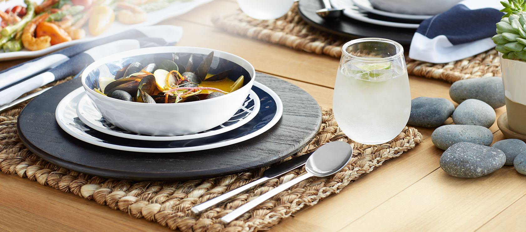 Crate and barrel friends and family - Outdoor Entertaining
