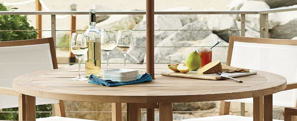 7 Foolproof Outdoor Party Ideas Guests Will Love | Crate and