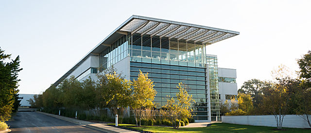 Exterior View Of Crate And Barrel Location Corporate Headquarters